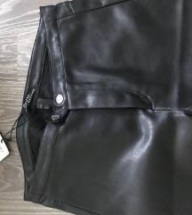 Bershka kozne pantalone NOVO