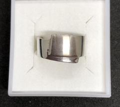 Srebrni prsten 925 NOVO!SNIZENO(1500din)