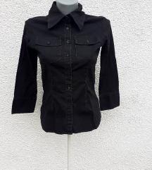 Crna strukirana košulja