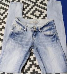 Ocecily jeans svetle  farmerke 25