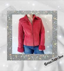 crvena jaknica prevrnuta koža,i vuna M veličina