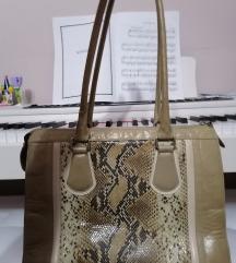 Mona veća torba prelepog dezena i oblika