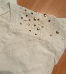 Bela majica sa bisercicima