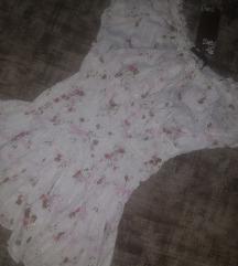 majica bela cvetici