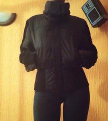 Crna zimska jaknica