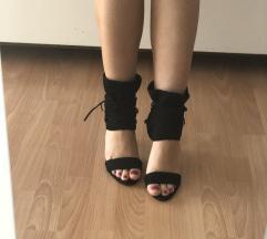 Crne sandale sa pertlama NOVO