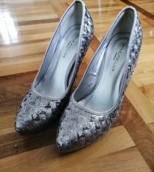 Nove srebrne cipele 39