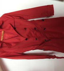 Dugi crveni mantil