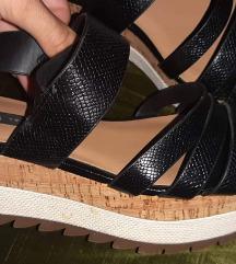 Zara Nove sandale 39 -SNIZENO 3800.00!