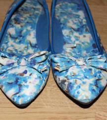 Beneton plave cvetne baletanke