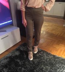 Pantalone jako lepe