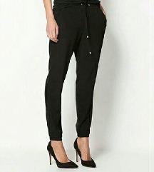 Nove crne pantalone xs