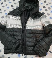 Prelepa prolecna jaknica snizena na 550