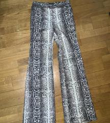 Bershka zmijske pantalone