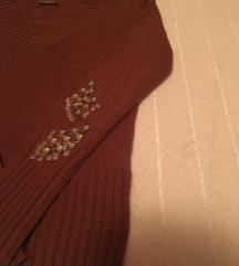 Braon džemper sa V izrezom