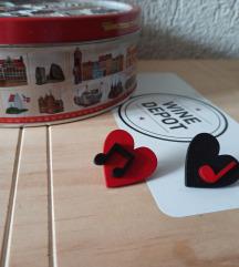 Drvene asimetrične minđuše note&srca