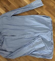Plavo bela košulja sa biserima