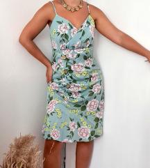 Vintage haljina sa dezenom 💐.