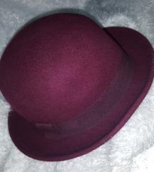Bordo šeširić