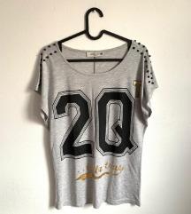 Majica sa natpisom