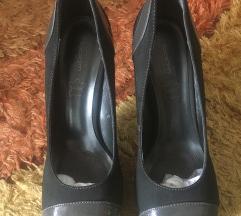 Tamno sive cipele na stiklu sa platformom