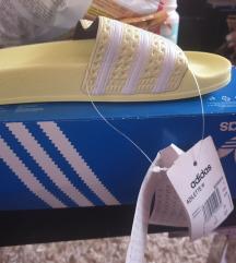 Nove Adidas papuce