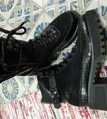 Martinke cipele 39
