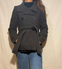 Zara kratki sivi kaput
