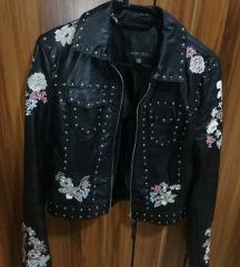 Crna biker jakna sa nitnama i vezom, KAO NOVA
