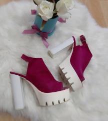 Ciklama sandale