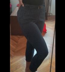Pantalone nove sa kaisom uske L