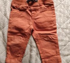 Narandžaste pantalonice
