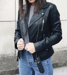 Reserved kozna jakna