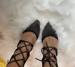Cipele na pertlanje