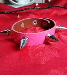 Roze Narukvica sa Bodljama