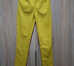 Nove zute pantalone