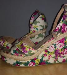 Sandale na platformu