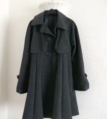 Sivi dugacki topao zimski kaput