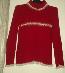 Crveni džemperić
