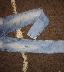 Pepe Jeans sa uskim nogavicama