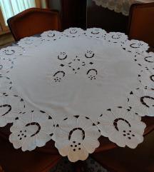 Stolnjak beli vez precnika 112 cm