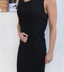 Uska mala crna haljinica S