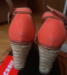 Narandzaste braon sandale