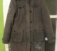 Braon zimska jakna sa vezom