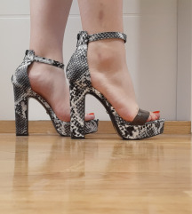 Sandale zmija