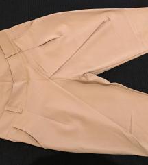 Zanimljive pantalone