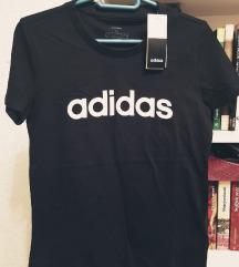 Adidas majica sa etiketom
