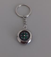 Privezak za kljuceve kompas