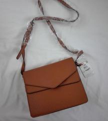 Moderna torbica NOVO sa etiketom