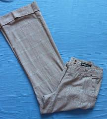 Karirane pantalone siroke blago zvonaste L 38
